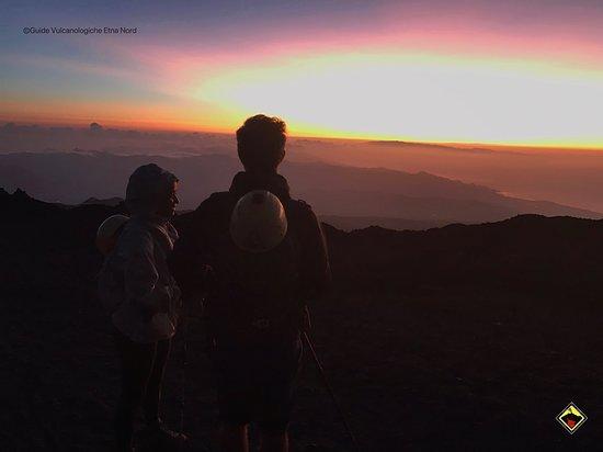 Escursione sull'Etna - ammirare l'alba sul tetto di Sicilia