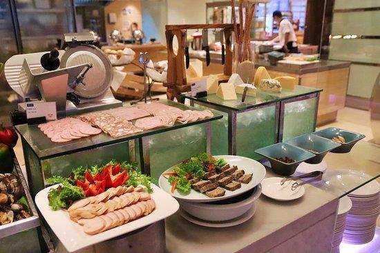 Feast: Seafood Buffet