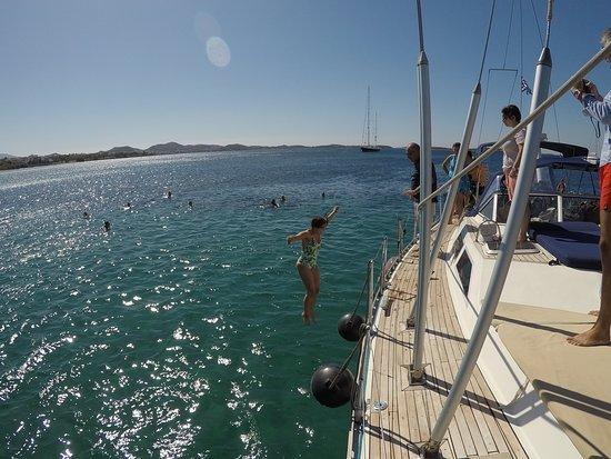 أثينا, اليونان: Day Sailing @ the Athenian Riviera, Greece boat seen from another angle
