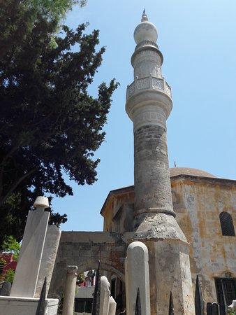 De moskee horen van Mourat Reis, een pareltje van Rhodos stad