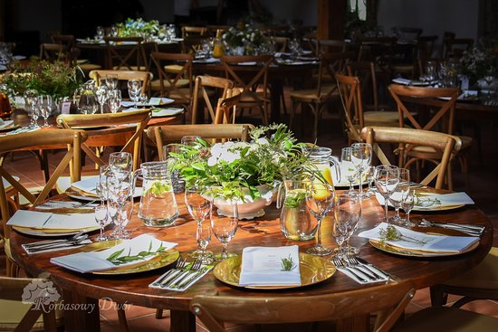 Restauracja Korbasowy Dwór: Przyjęcie weselne w innym miejscu niż nasza restauracja? Catering też jest możliwy.