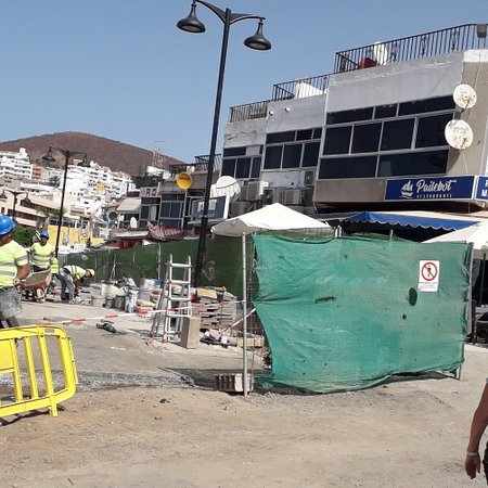 Los Cristianos, إسبانيا: Getting there ( Slowly)