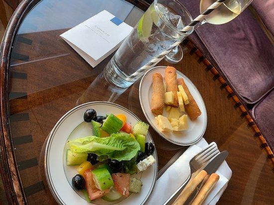 Executive Lounge - Evening cocktail