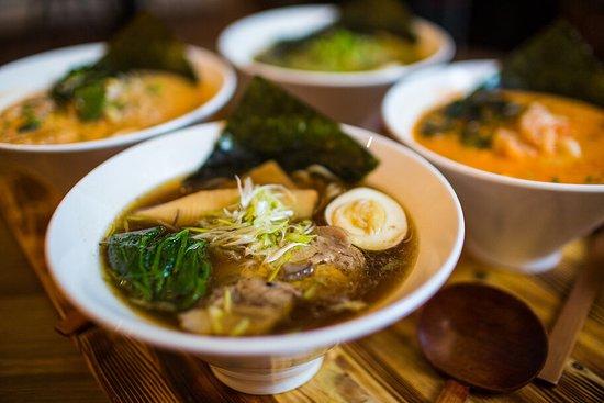 Corner Cafe & Kitchen: Японский рамен с домашней лапшой