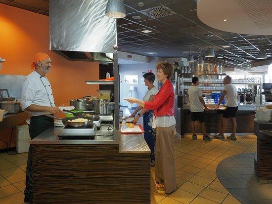 Ristobio: Chef all'opera, cottura a vista e tanta creatività.