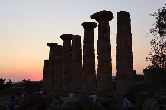 Valle dei Templi: tempio ercole tramonto