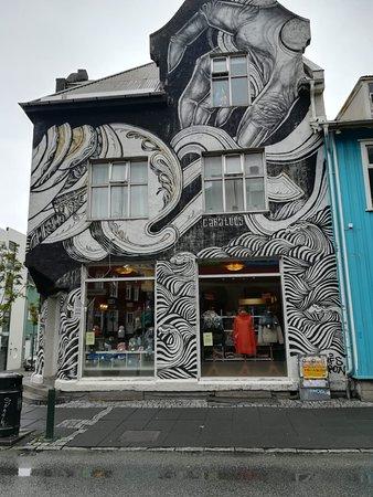 Laugavegur: murals