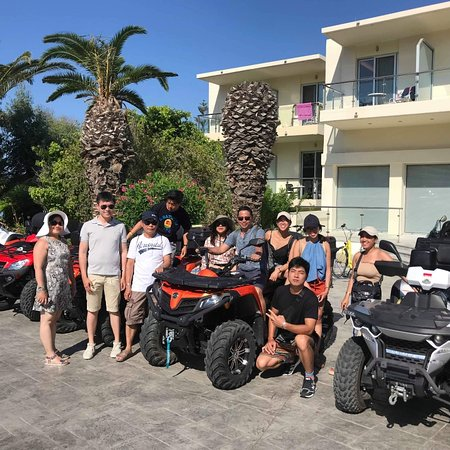 Μαστιχάρι, Ελλάδα: Happy customers....only top gear rentals