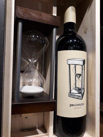 La Rioja Home: Paciencia Malbec , procedencia ; Mendoza - Argentina Partida limitada.
