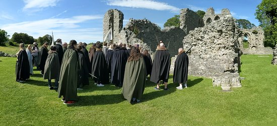 Game of Thrones® Winterfell Trek from Dublin: crowning of the king in the north