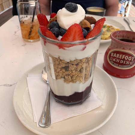 Granola & Chobani with blueberries, strawberries and fig. Excellent and very filling!