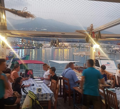 Bumbabalik / Bumba Cafe & Bistro: Akşam keyfi