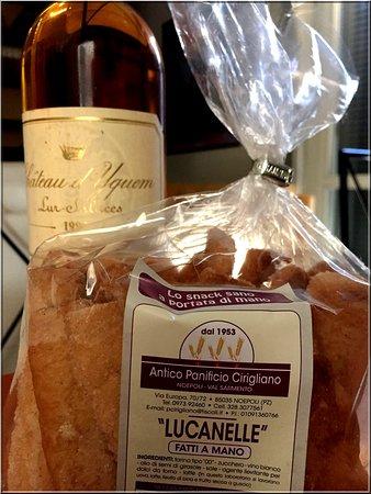 Lucanelle, una bontà dolce e fragrante al vino bianco senza uova.