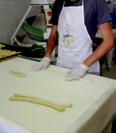 Noepoli, Italy: Preparazione prodotti...