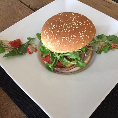 Burger de Charolais chez Farine Etc