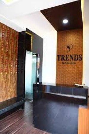 Trends Salon & Academy