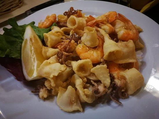 Ristorante Pizzeria Il Grillo: Fritto calamari e gamberi: ok