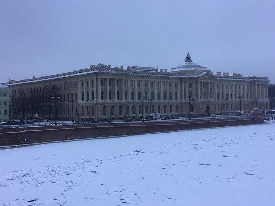Набережные Невы - Университетская набережная, Санкт-Петербург.