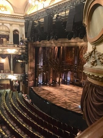 Victoria Palace Theatre (London) - UPDATED 2019 - All You