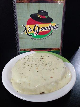 Xis Envelopado (Xis de qqer sabor coberto com queijo gratinado)