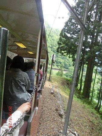 Kurobe Gorge Railway: オープン車両