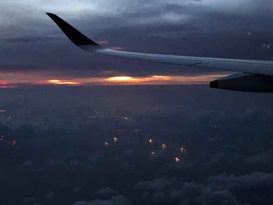 Singapore Airlines: Flying into a setting sun