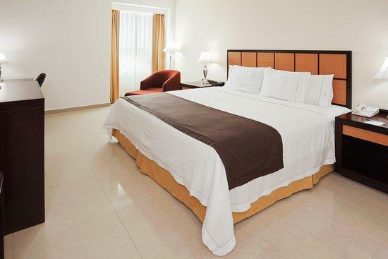 Holiday Inn Express Paraiso Dos Bocas: Guest room
