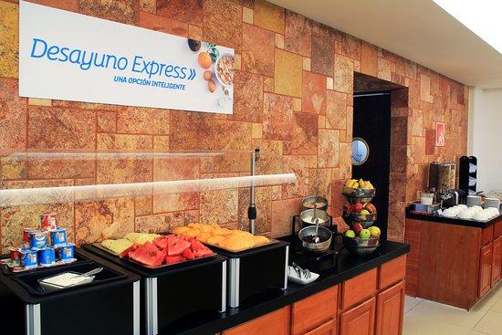 Holiday Inn Express Paraiso Dos Bocas: Restaurant