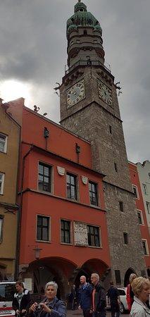 Inzbruk, Austrija: tour panoramique avec vue sur toute la ville,qui servait autrefois à avertir la population en cas de danger ou d'incendie.