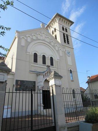 Eglise Notre-Dame de Lourdes: L'église
