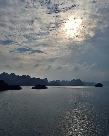 Sails of Indochina: Indochina Junks