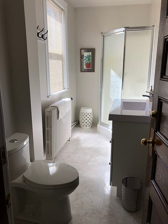 Queen size Bedroom - Photo de Woodchuck B&B, Richibucto - Tripadvisor