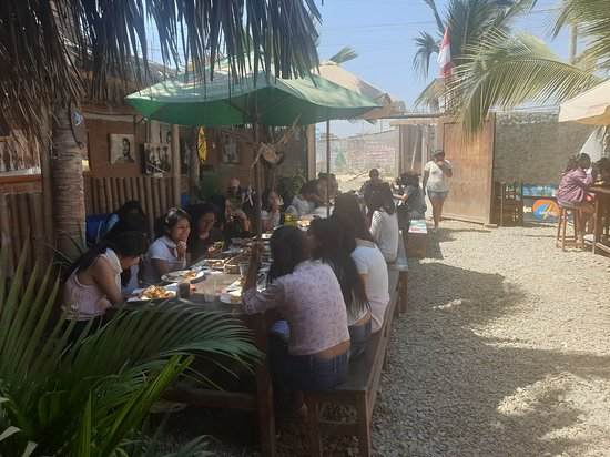 Lunchtime at surfers bar