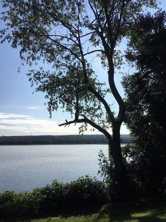 Lambton, แคนาดา: Vue magnifique sur le lac au matin