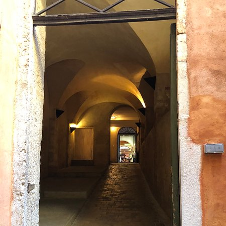 Vieux Lyon: リヨンの旧市街地に行きました。美術館やローマ時代の劇場、ギニョール劇場、トラブール