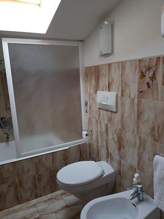 Bagno junior suite, Agosto 2019