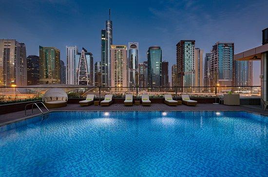 Дубай отели 4 звезды снять коттедж в европе