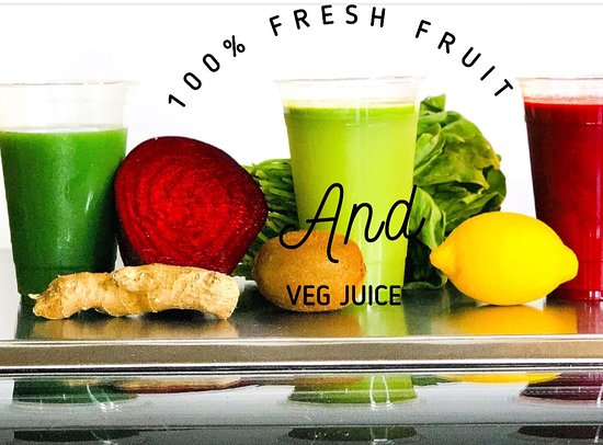Long Beach, Kalifornie: Freshly made cold- pressed juices 100% natural