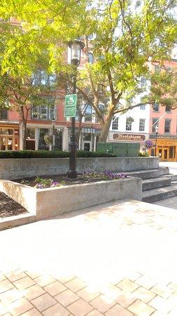 East Syracuse, NY: Historic Hanover Square