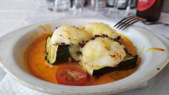 Santes Creus, Spania: Calabacín con queso gratinado.