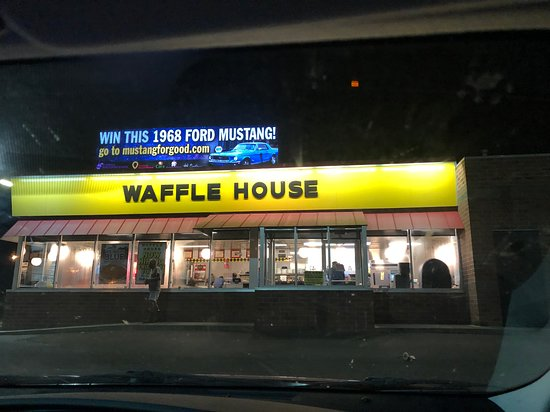 Waffle House in Shreveport has excellent customer service. We eat at Waffle House restaurants all over but this one is different. Shout out to Tawanna and crew for serving the hottest breakfast we have ever received with the best attitude and it was fast service. They are on top of their game.