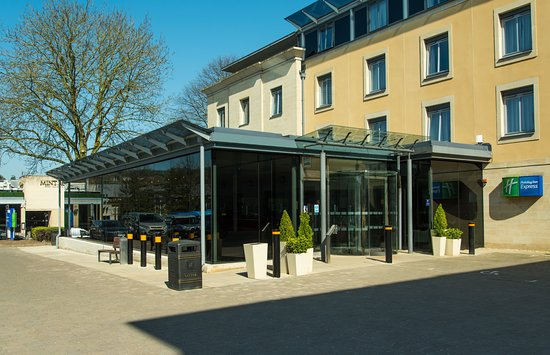 REVIEW: Best of the budget hotel chains in Bath - Holiday Inn
