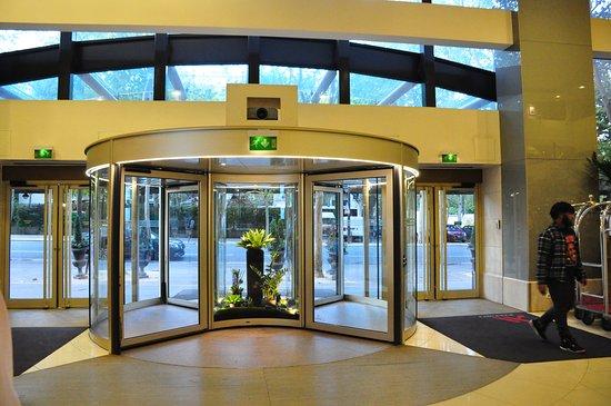Paris Marriott Rive Gauche Hotel & Conference Center: Inside view.