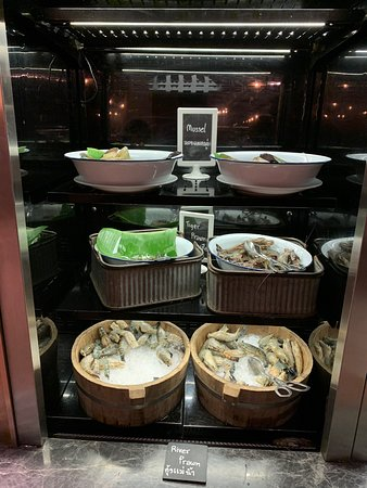 Most variety Seafood  Grill Buffet
