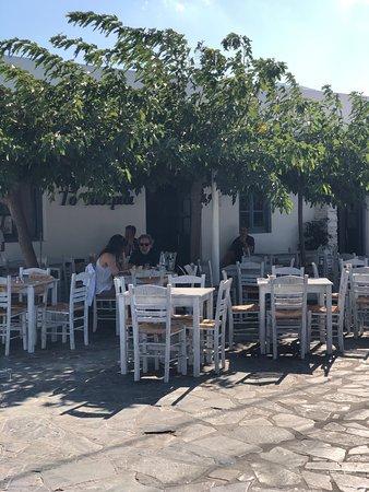 Από τα καλύτερα εστιατόρια της Σίφνου !!!