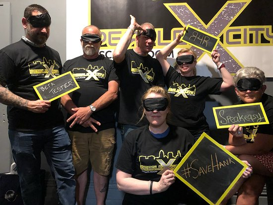 PerpleXcity LLC Escape Room: This Team Succeeded In Save Hank Beta Test!