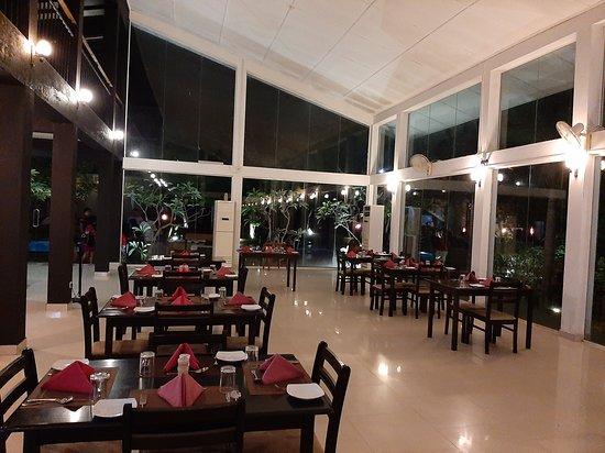 Magampura Eco Village Resort: Foye area