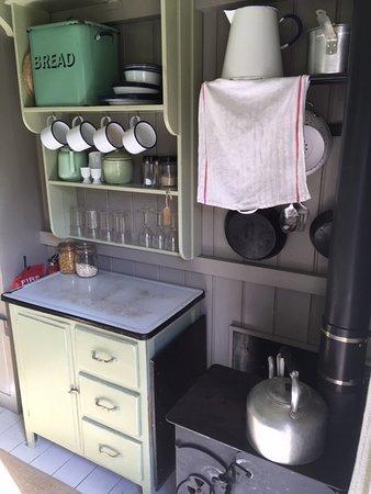 Hambledon, UK: Well equipped kitchen