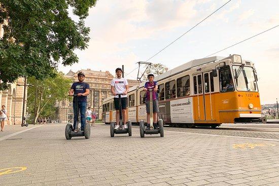 Budapest Tour Hub & Rents
