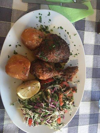 Stone Lion Tavern: Hühnchen mit leckeren Kartoffeln